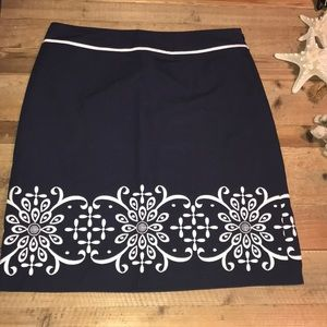 Ann Taylor size 8 navy with white embroidery